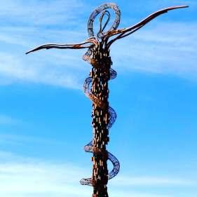 Krzyż opleciony wężem, Góra Nebo