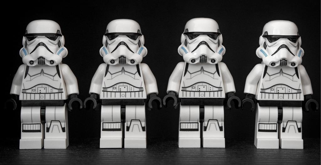 Identyczni storm trooperzy